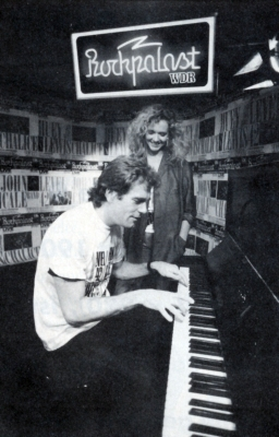 Huey Lewis mit Evelyn Seibert - Heart of Rock'n'Roll  Foto WDR/Manfred Becker